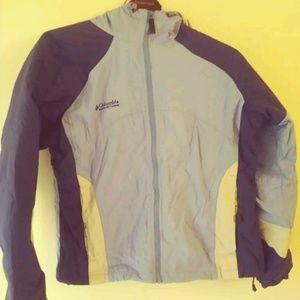 Woman's Columbia Jacket XL